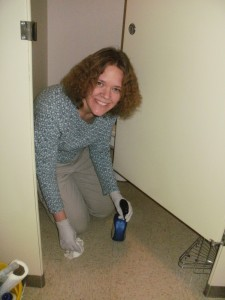 Jennifer finishes up cleaning a bathroom that hadnt been cleaned in quite a while!